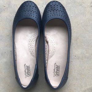 Croft & Barrow size 8 navy shoes